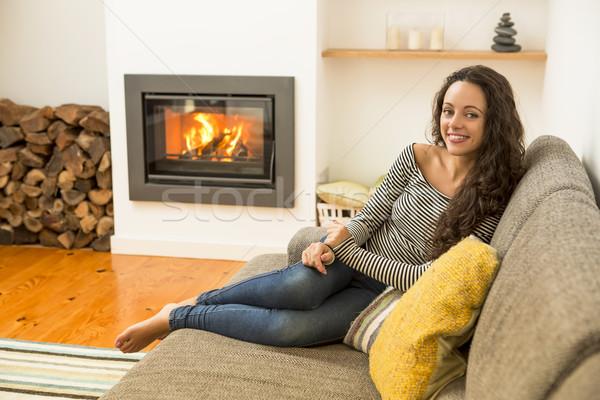 Zimą dzień piękna kobieta salon ciepło Zdjęcia stock © iko