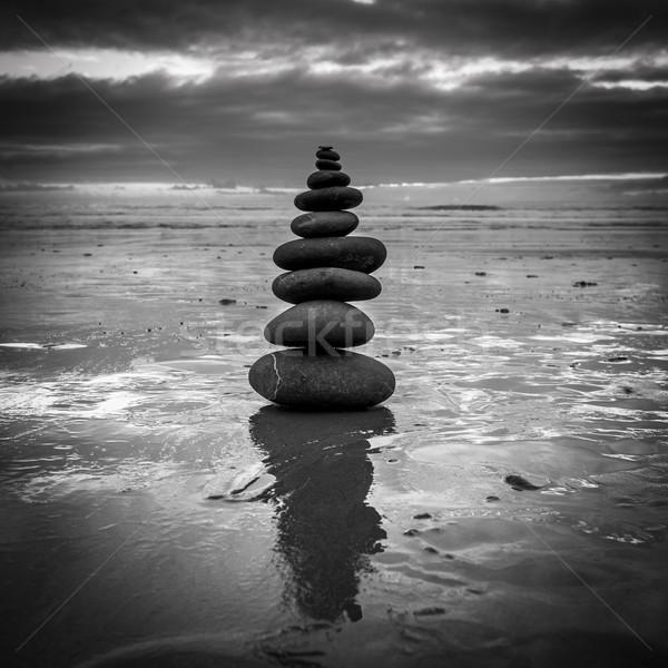 Stock fotó: Egyensúly · zen · kiegyensúlyozott · kövek · boglya · közelkép