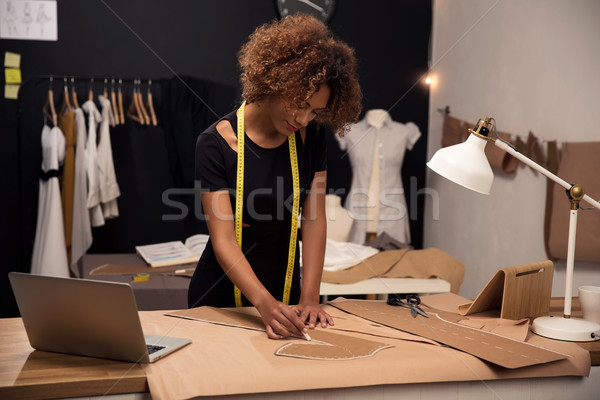 Divat designer fiatal dolgozik boldog munka Stock fotó © iko