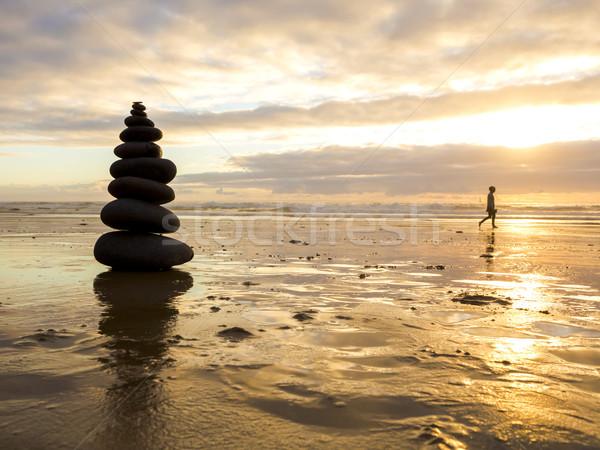 Stock fotó: Tenger · kövek · egymásra · pakolva · tengerpart · nő · férfi
