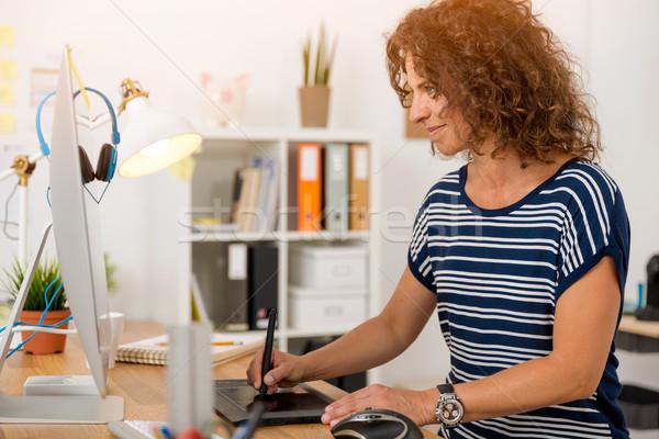 дизайна работу средний возраст дизайнера рабочих Сток-фото © iko