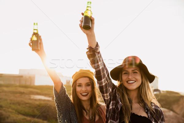 Foto stock: Brindis · vida · dos · mejores · amigos · playa