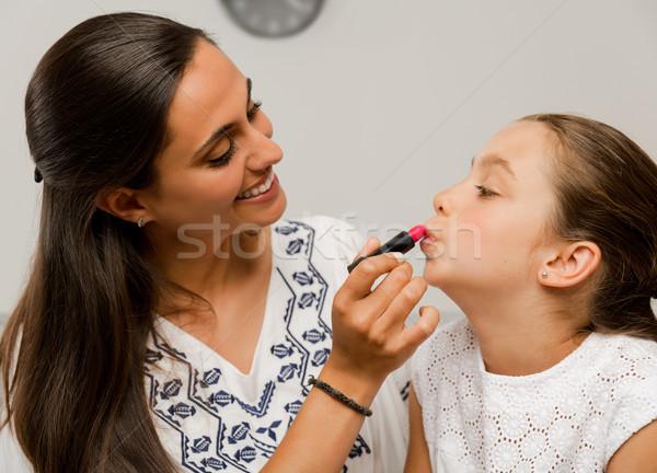 Moeder dochter spelen lippenstift vrouw Stockfoto © iko