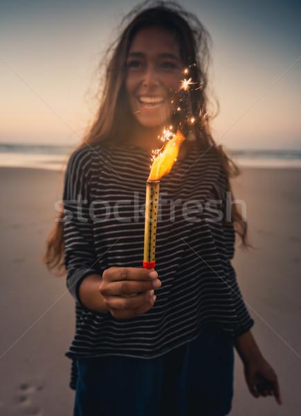 Fille feux d'artifice adolescente plage fête Photo stock © iko