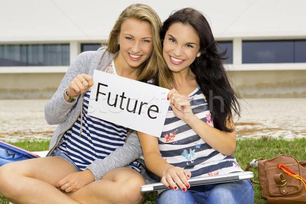 Estudiantes futuro pensando escuela secundaria mujer escuela Foto stock © iko
