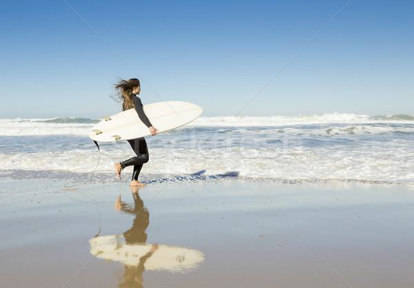 Stok fotoğraf: Sörf · kız · genç · plaj · sörf · su