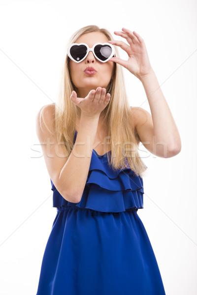 поцелуй красивая женщина синий платье Солнцезащитные очки Сток-фото © iko