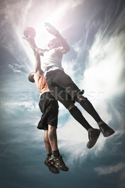 Dwa koszykówki gracze gry ulicy Zdjęcia stock © iko