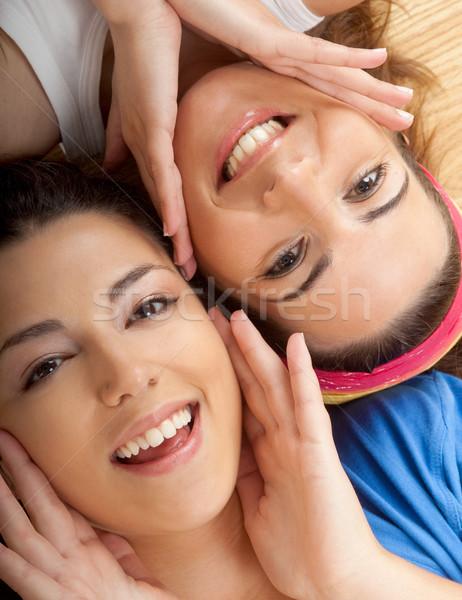 Belle jeunes portraits deux jeunes femmes étage Photo stock © iko