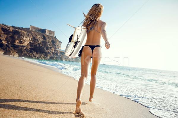 Stok fotoğraf: Dalgalar · genç · sörfçü · kız · çalışma · sörf