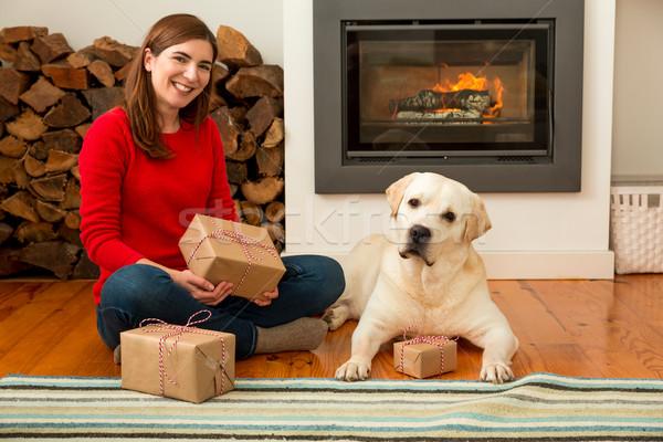 Stok fotoğraf: Bana · benim · köpek · sevmek · hediyeler · güzel · bir · kadın