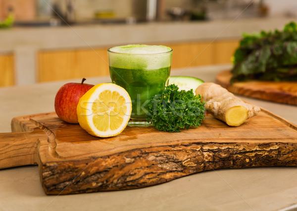 Detoxikáló dzsúz néhány zöldségek felső fa deszka Stock fotó © iko