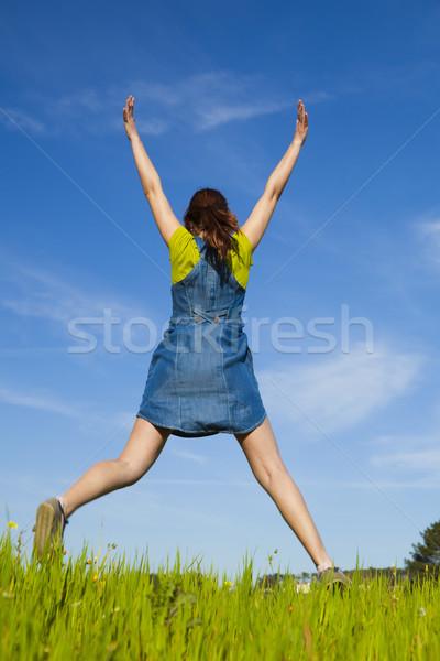 Bahar mutlu genç kadın atlama güzel Stok fotoğraf © iko