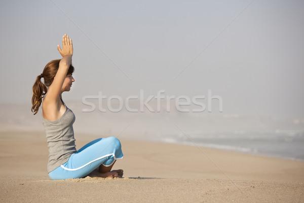 ストックフォト: ヨガ · 時間 · 美しい · 若い女性 · ビーチ · 女性
