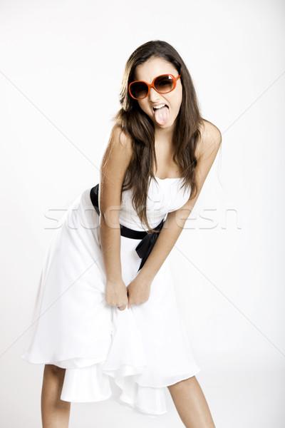Stok fotoğraf: Asi · kız · güzel · genç · kadın · beyaz · elbise · güneş · gözlüğü