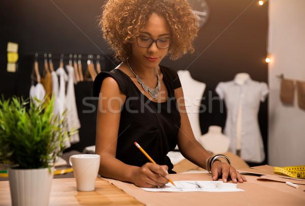 Divat designer fiatal dolgozik nő munka Stock fotó © iko