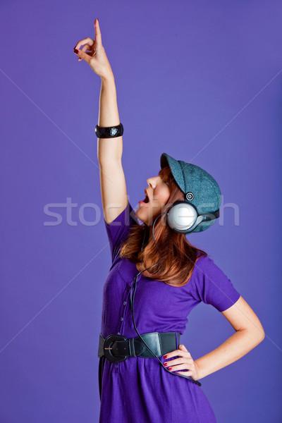 Güzel bir kadın dinleme müzik güzel mutlu genç kadın Stok fotoğraf © iko