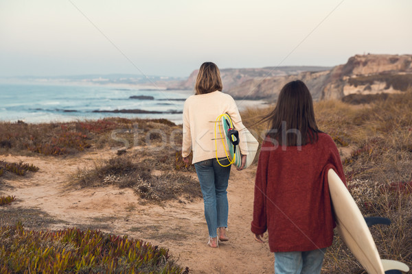 ファー 女の子 2 女性 サーファー 徒歩 ストックフォト © iko