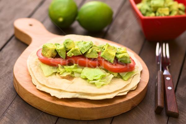 Tortilla alface tomates abacate fresco caseiro Foto stock © ildi