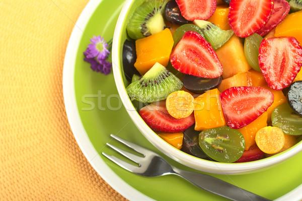 свежие фрукты Салат свежие здорового фруктовый салат клубника Сток-фото © ildi