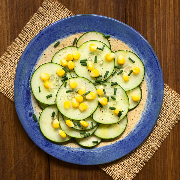 Pepino maíz ensalada cebollino frescos servido Foto stock © ildi