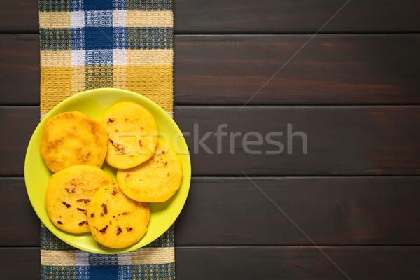 Prato escuro madeira branco amarelo Foto stock © ildi