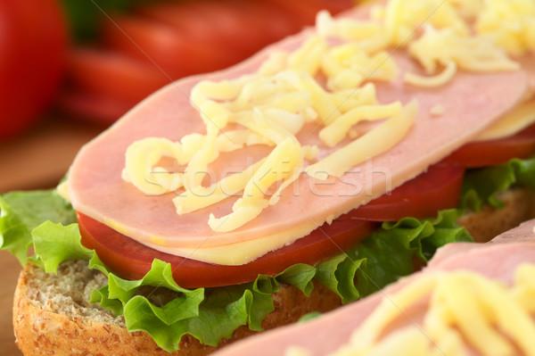 Open sandwich formaggio grattugiato lattuga pomodoro formaggio Foto d'archivio © ildi