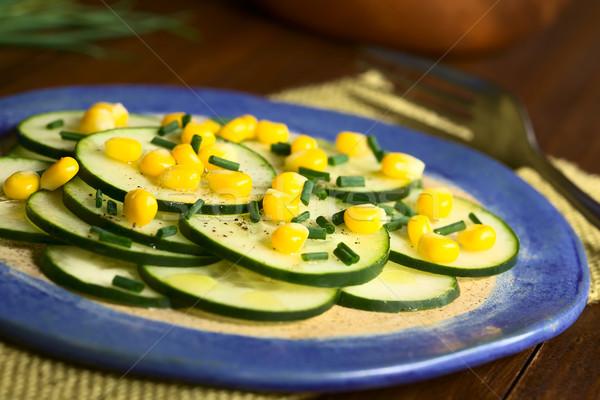 Uborka kukorica saláta snidling friss felszolgált Stock fotó © ildi