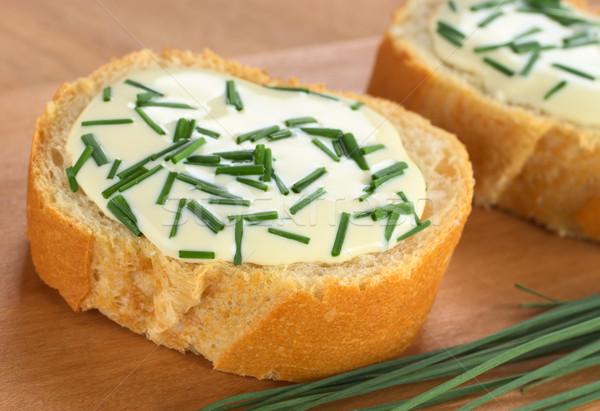 Francia kenyér puha sajt snidling szeletek vágódeszka Stock fotó © ildi
