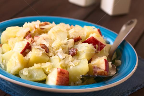 Krumpli savanyú káposzta alma saláta sült szalonna Stock fotó © ildi