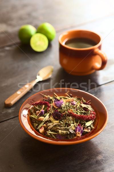 Gyógynövény tea hagyományos tea különböző gyógynövények tál Stock fotó © ildi