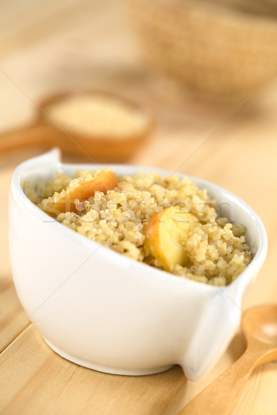 Manzana canela tradicional desayuno servido tazón Foto stock © ildi
