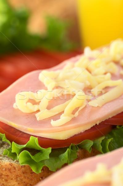 Stok fotoğraf: Açmak · sandviç · rendelenmiş · peynir · marul · domates · peynir