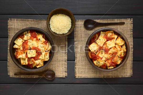 Gebakken ravioli tomatensaus eigengemaakt rustiek kommen Stockfoto © ildi