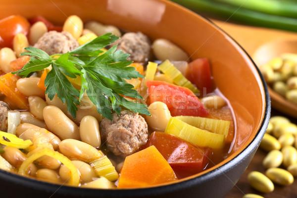 Canário sopa de feijão almôndegas legumes alho-porro tomates Foto stock © ildi