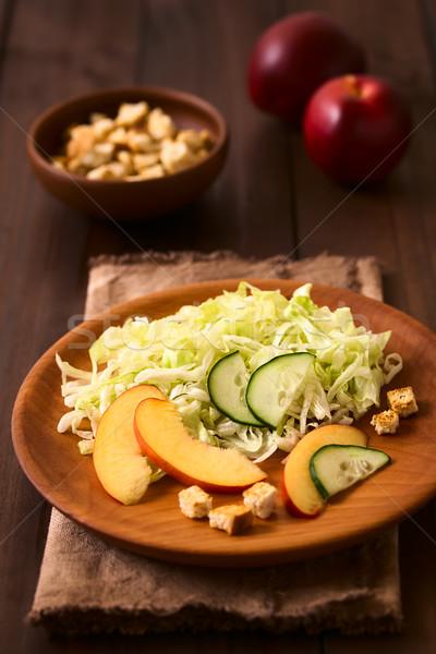 Nectarine concombre laitue salade fraîches iceberg Photo stock © ildi