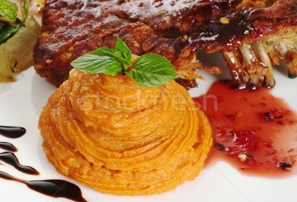 Zoete aardappel rib mint blad Rood saus Stockfoto © ildi
