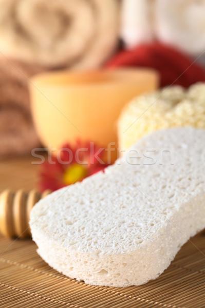 Estância termal natureza morta esponja vela toalhas de volta Foto stock © ildi