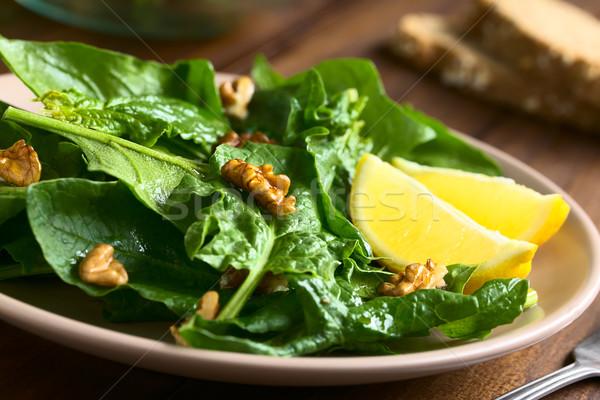 ıspanak ceviz salata taze limon yan Stok fotoğraf © ildi