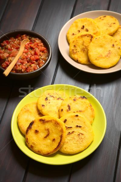 ソース 2 プレート トマト タマネギ 調理済みの ストックフォト © ildi