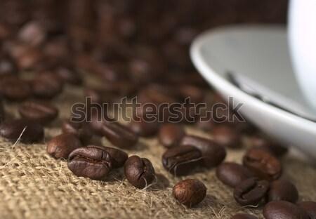 Grain de café grains de café tissu soucoupe tasse de café côté Photo stock © ildi