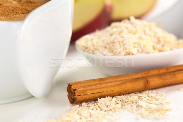 Canela em pau lado maçã peças de volta Foto stock © ildi