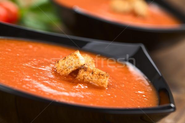 Sopa de tomate frescos casero integral superior servido Foto stock © ildi