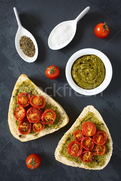 Ekmek rulo pesto domates zeytin Stok fotoğraf © ildi