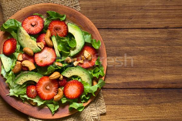Eper avokádó saláta saláta kesudió diók Stock fotó © ildi