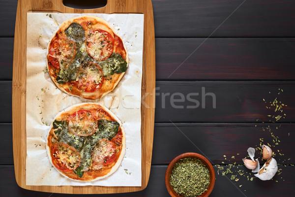 Spinazie tomaat pizza eigengemaakt papier Stockfoto © ildi