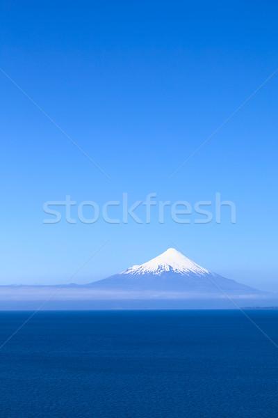 Vulkán Chile tó égbolt tájkép hó Stock fotó © ildi