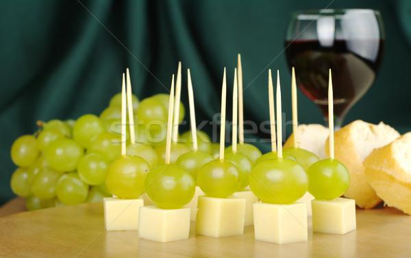 Peynir üzüm şarap Stok fotoğraf © ildi