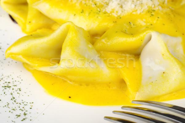 ラビオリ フォーク 務め 粉チーズ フォアグラウンド 選択フォーカス ストックフォト © ildi