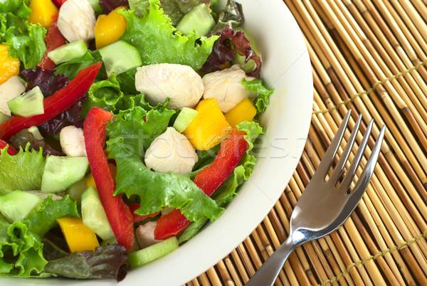 Tavuk salatası taze marul mango kırmızı biber Stok fotoğraf © ildi